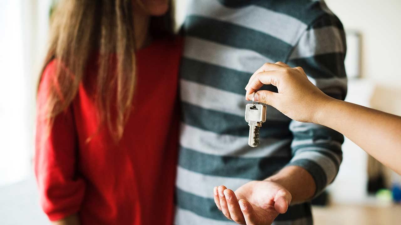 couple-home-house-1288482-smaller