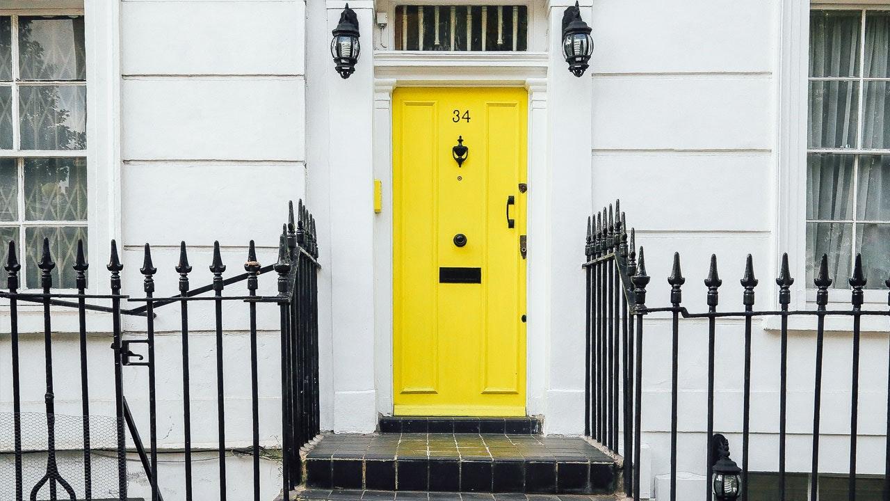 unsplash_yellowfrontdoor