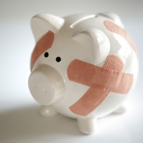 Alternatives to payday loans - Piggy bank