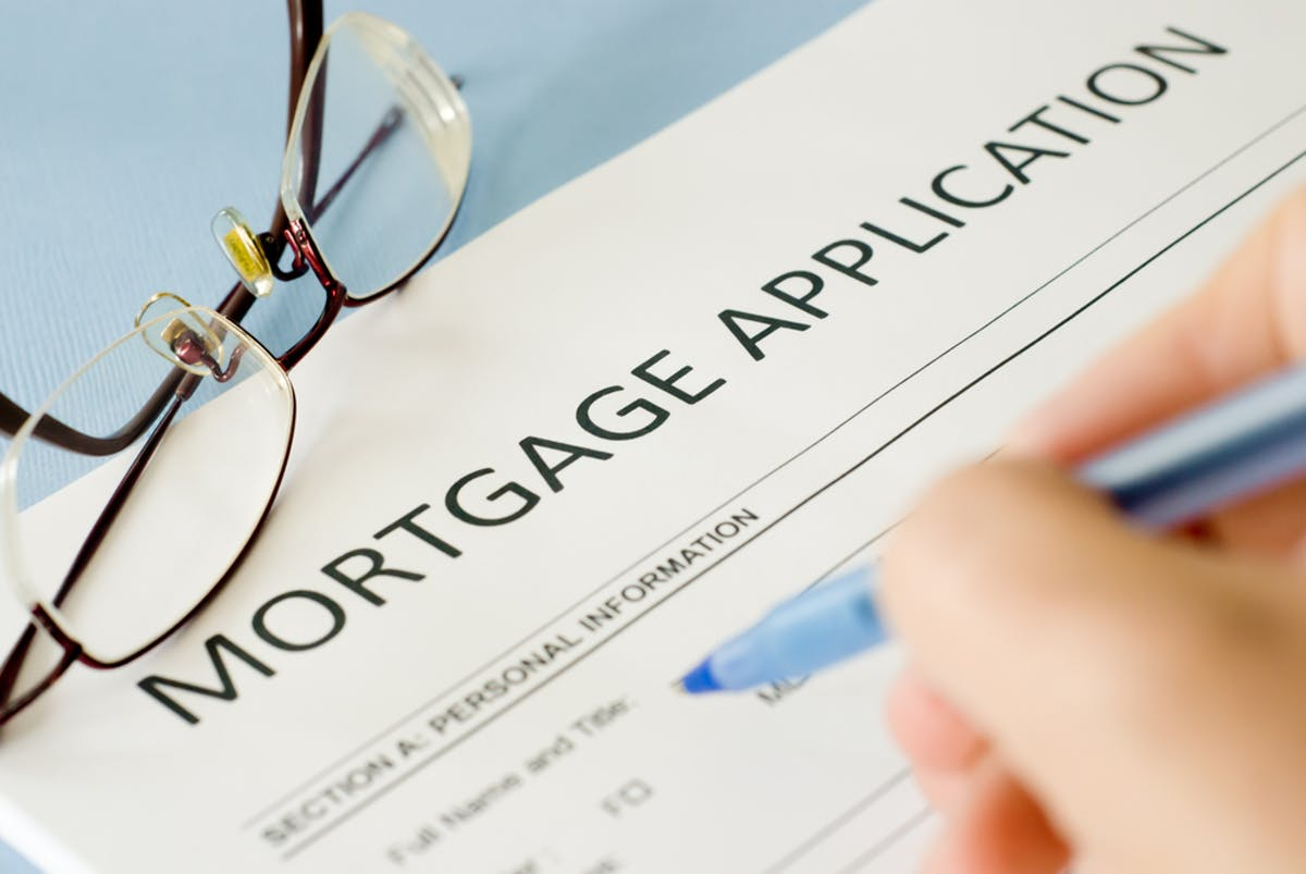 How does a mortgage application work?